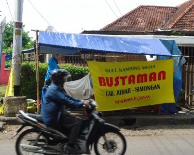 Asal-usul Pedagang Gulai Bustaman: Sebuah Ironisme
