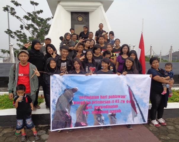 Rayakan Hari Pahlawan Remaja Kampung Longmarch